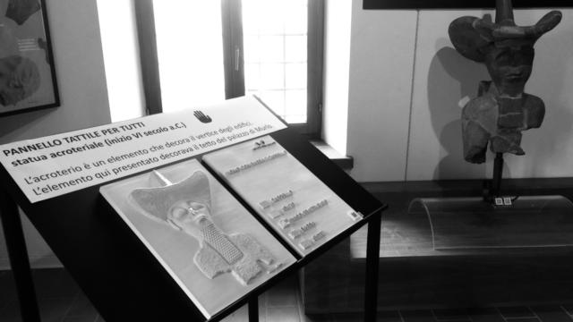 Vietato non toccare: percorso di accessibilità al Museo di Murlo